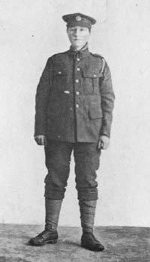 Dorothy Lawrenceová ako vojak, 1915