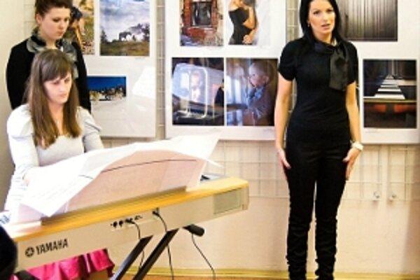 Vernisáž výstavy neprofesionálnych fotografov AMFO 2011.