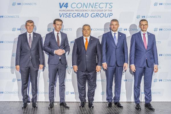 Dezignovaný predseda vlády ČR Andrej Babiš, rakúsky kancelár Sebastian Kurz, maďarský premiér Viktor Orbán, predseda vlády Slovenska Peter Pellegrini a Predseda poľskej vlády Mateusz Morawiecki počas stretnutia na summite V4 v Budapešti.