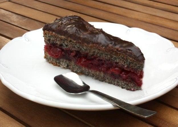 Višňovo-maková torta