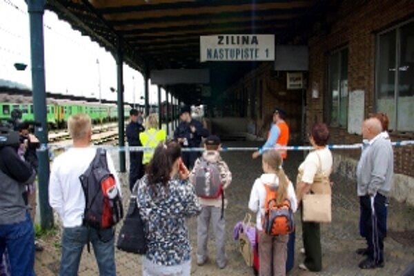Budovu železničnej stanice aj podchod uzavreli.