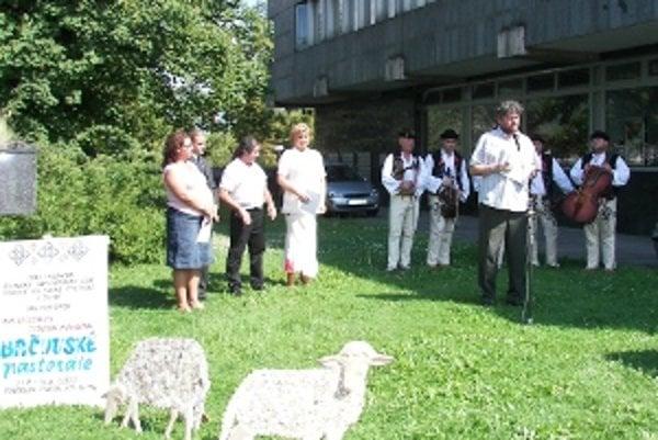 Pozvánkou na Jánošíkove dni bolo otvorenie výstavy.