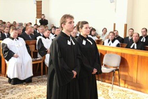 Manželov Kaňuchovcov slávnostne uviedli do cirkevného zboru.