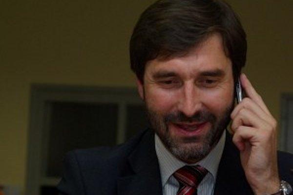 Župan Juraj Blanár potrebuje na pohodlné vládnutie počas nasledujúcich štyroch rokov vytvoriť koalíciu s ďalšími stranami.