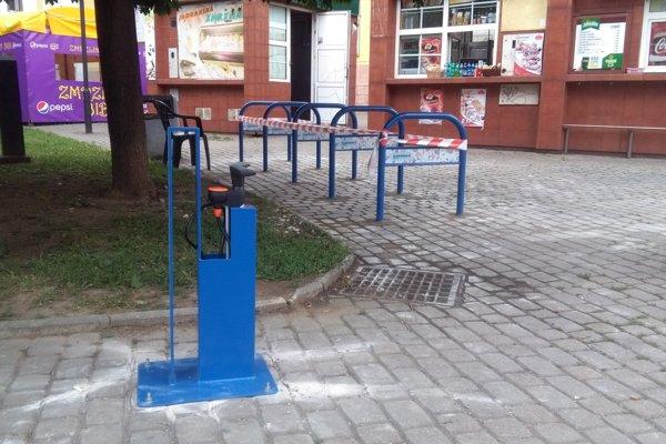 Cyklopumpa zo súťaže je už nainštalovaná na Námesti A. Hlinku.