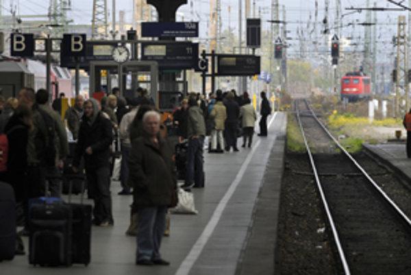 Pre práce na modernizácii trate upravuje železničná spoločnosť cestovné poriadky. Niektoré spoje nahradia autobusy.