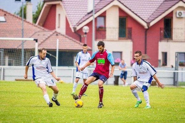 Posledný zápas hviezd okresu Zlaté Moravce sa hral pred štyrmi rokmi v Machulinciach.