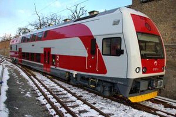 Hnací vozeň súpravy 671. Žilinčanov bude voziť od augusta.
