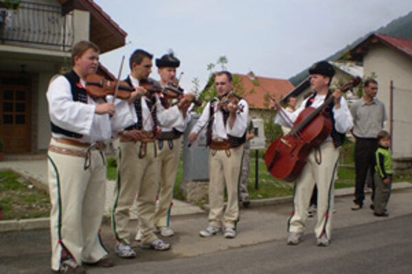 Terchovská muzika pod vedením Lukáša Mahúta si na každej akcii zahrá naozaj schuti.
