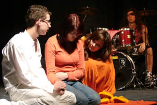 Akadémia umožňuje študentom využívať ich tvorivý potenciál a objaviť  v sebe herecké vlohy.