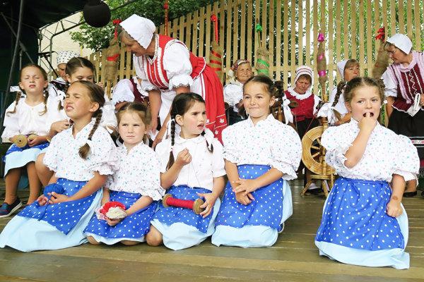 Zaspievali aj deti z Pucova.