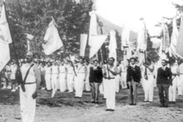 Nástup žilinských makabejcov na štadión ŠK Žilina pri príležitosti III. Celozväzového zletu v roku 1937.Foto: archív