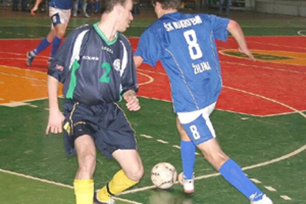 Hráči žilinského Makroteamu (na archívnej snímke) si z Bratislavskej palubovky body nepriviezli.