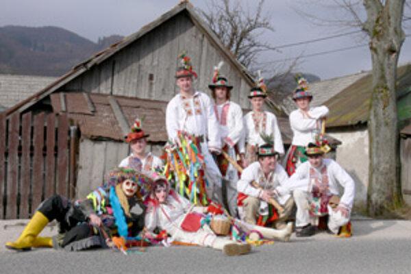 Vo Fačkove trvali fašiangové oslavy niekoľko dní za sebou.