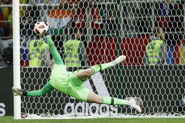 Anglický brankár Jordan Pickford a jeho kľúčový zákrok v penaltovom rozstrele.