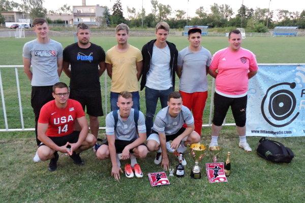 Mladé pušky - víťazi turnaja.