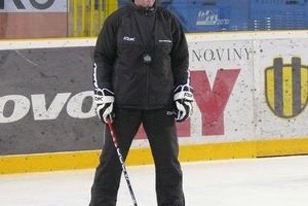 Tréner Ladislav Spišiak pokračuje pod Dubňom v začatej práci.