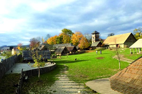 Hradisko Modrá na Morave, časté miesto nakrúcania filmov s historickou tematikou.