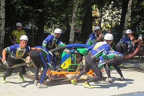 Domáci pokazili súťažný útok. Všetko si vynahradili v súboji s hasičmi z Brvnišťa.