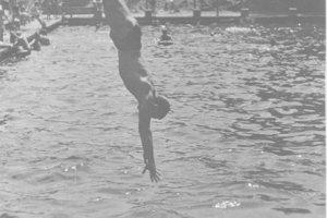 Počas vojenskej služby v Dukle Praha trénoval v bazéne na Barrandove.
