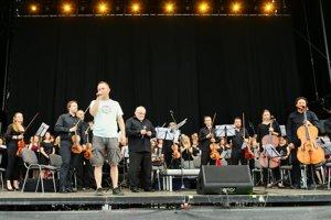 Michal Kaščák uvádza prvý koncert na Pohode.