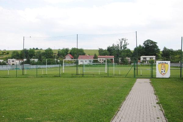 Areál v Rosinej využívajú futbalisti, hasiči aj športuchtivé partie nadšencov.