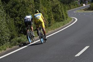 Peter Sagan (v žltom) počas 3. etapy na Tour de France 2018.