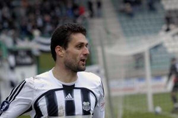Tomáš Oravec ešte v drese Artmedie Petržalka, odkiaľ prestúpil do MŠK Žilina