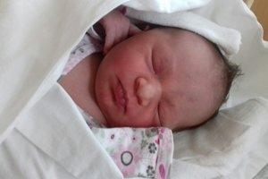 Anetka Rybanská (3270 g, 49 cm) sa narodila 27. júna Jane a Martinovi z Novej Dubnice. Doma už majú dcérku Ninku.
