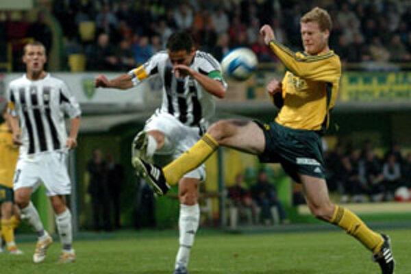 S Artmediou Bratislava hrali Žilinčania ligový zápas naposledy 21. októbra. Na domácom ihrisku vtedy zvíťazili 3:0.