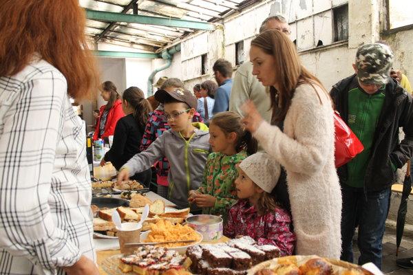 Ochutnávka pekárenských výrobkov na nedávnej akcii Pečieme pre vás.