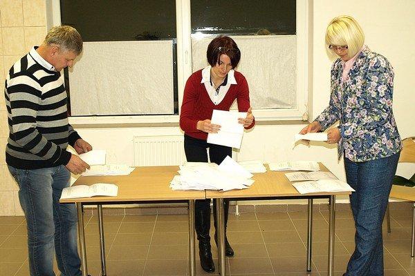Spočítavanie hlasov.