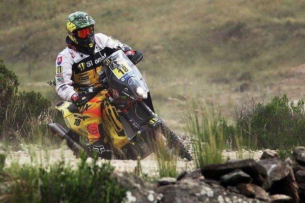 Štefan Svitko zajazdil v štvrtej etape svoj zatiaľ najlepší výsledok na Rely Dakar 2015.