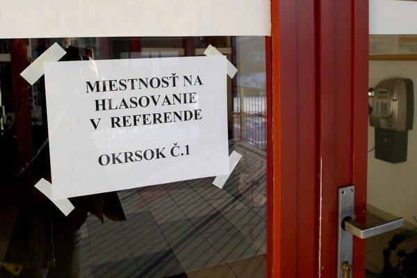 Referendové miestnosti sú otvorené od 7.00 h do 22.00 h.