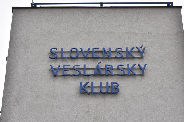 Schmidt začínal v Slovenskom veslárskom klube, ktorý sídlil v vo funkcionalistickej budove na pravom brehu Dunaja.