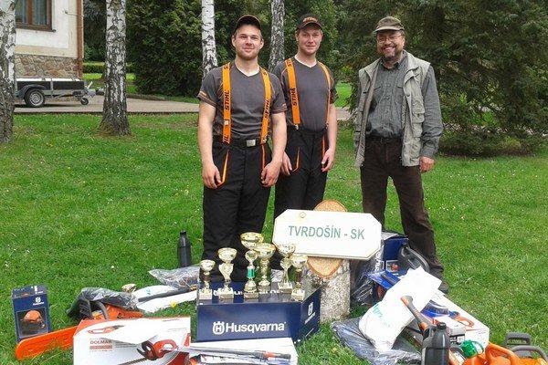 Tím zo Strednej odbornej školy lesníckej v Tvrdošíne.