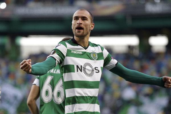 Bas Dost si bude aj naďalej obliekať dres Sportingu Lisabon.