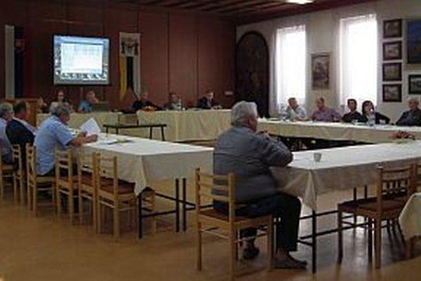 Na júnovom rokovaní mestského zastupiteľstva poslanci rozhodovali aj o použití rezervného fondu.