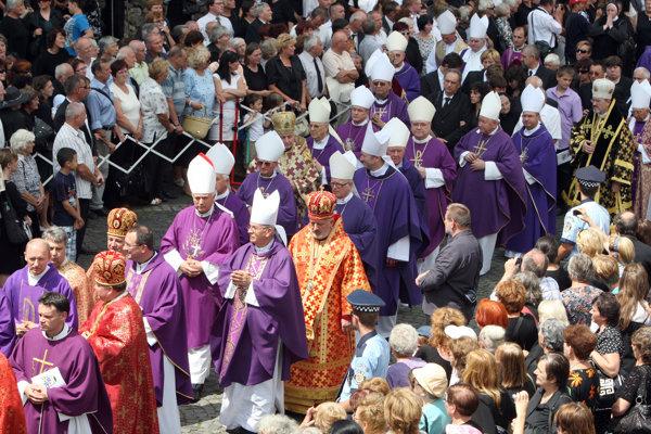 Pohreb biskupa sa konal v Banskej Bystrici a následne v Nevoľnom 3. augusta.