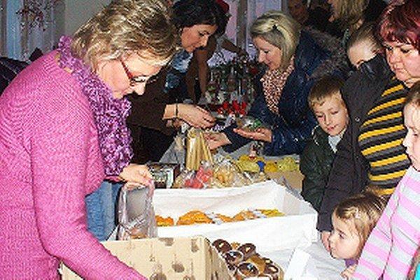 O domáce výrobky svojich spoluobčanov mali Štefanovčania veľký záujem.