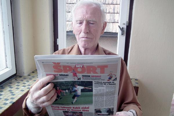 Pán Vendelín je dlhoročným čitateľom našich novín.