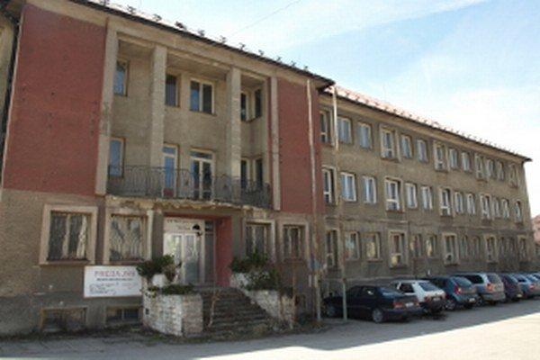 Nedôveru poslancov vyvolala rekonštrukcia budovy v niekdajšom závode ZŤS aj výstavba nových bytoviek na Západe.