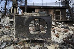 Oheň za sebou zanechal okrem obetí aj obrovské škody.