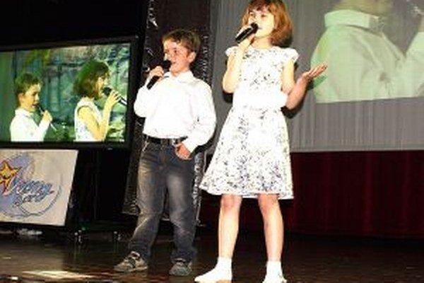 Zuzka a Danko zo ZŠ P.O.Hviezdoslava v Trstenej vyhrali v kategórií duetá.