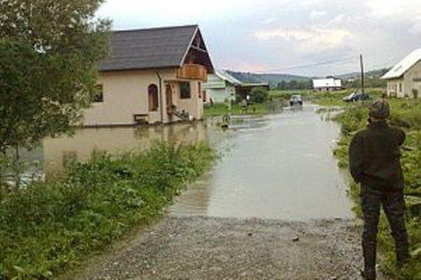 Keď ľudia stavali, nevedeli, že malý potok bude robiť také veľké problémy.
