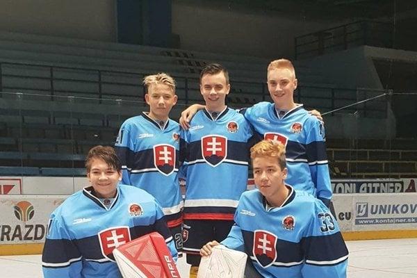 Dole zľava: Marek Ambra a Lukáš Boldiš, hore zľava: Martin Benko, Dávid Mokoš a Samuel Hodál.