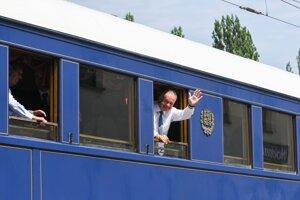 Špeciálny vlak, ktorým absolvovali prezidenti symbolickú cestu z Hodonína do Topoľčianok.