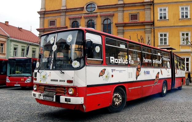 """Posledná trenčianska """"harmonika"""" Ikarus 280 dojazdila vTrenčíne pred desiatimi rokmi."""