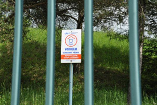 Oravská vodárenská spoločnosť má vody dostatok.