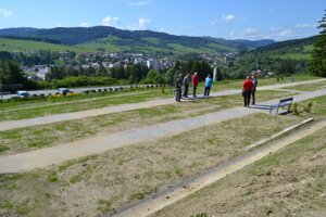 Na cintoríne vHlinenom pribudlo 192 hrobových miest.